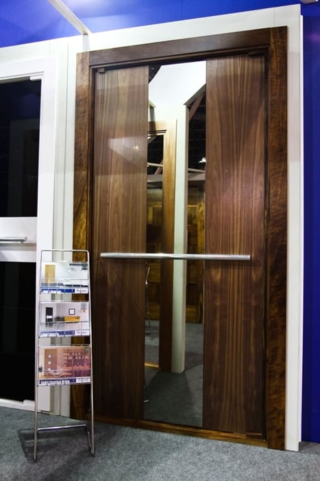 Beauty high end wood doors from brazil export portas for High end entry doors
